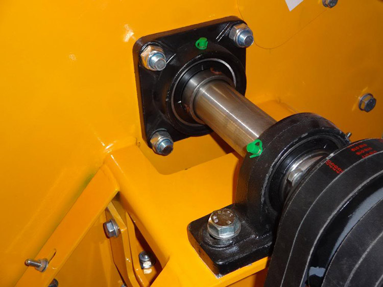 a picture of wood chipper bearings